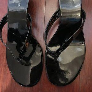 Loft black thong slip on sandals. Us sz9.